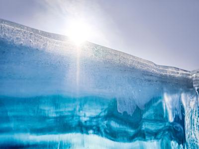 Зимний Байкал — на коньках по самому большому катку в мире