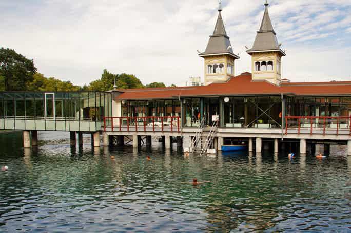 Озеро Балатон и термальные купальни Хевиз