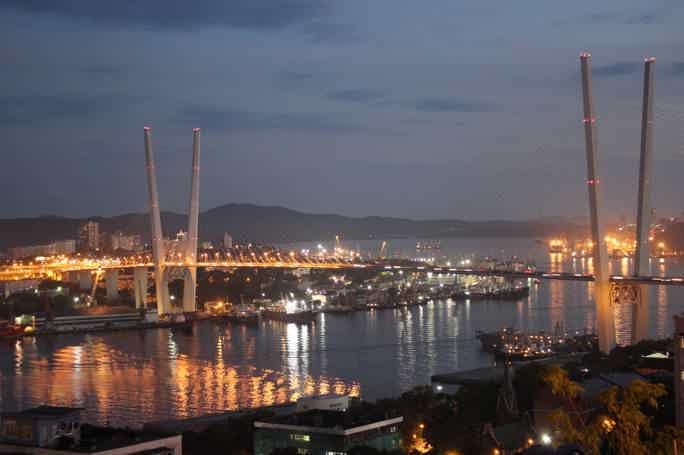 Вечерний Владивосток на автомобиле