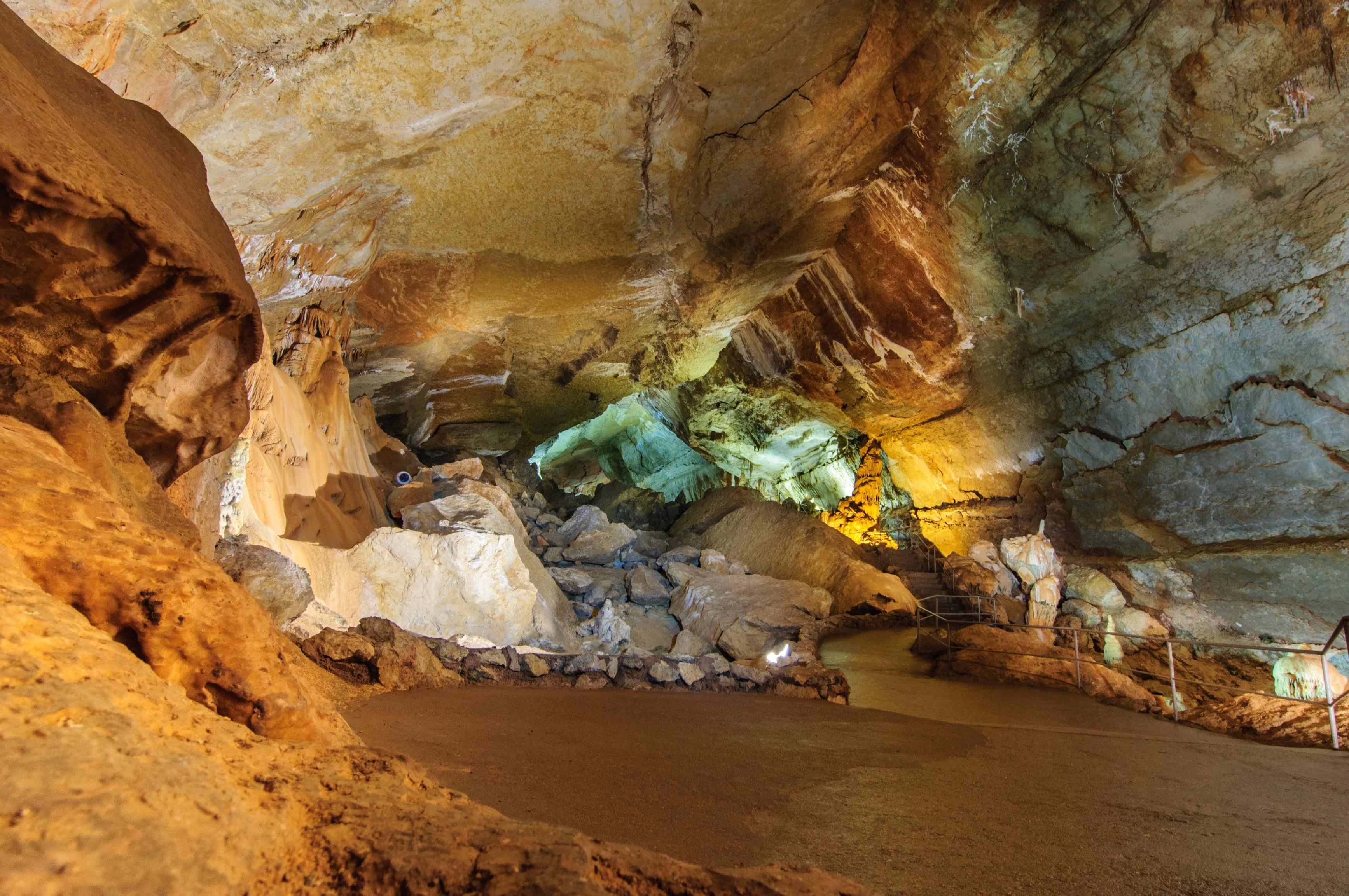 Фото пещер в Алуште