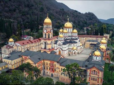 «Золотое кольцо Абхазии» из Сочи с купанием: Гагры, Рица, Новый Афон
