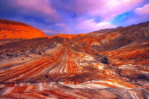 Сверкание агатов в горах Хызы