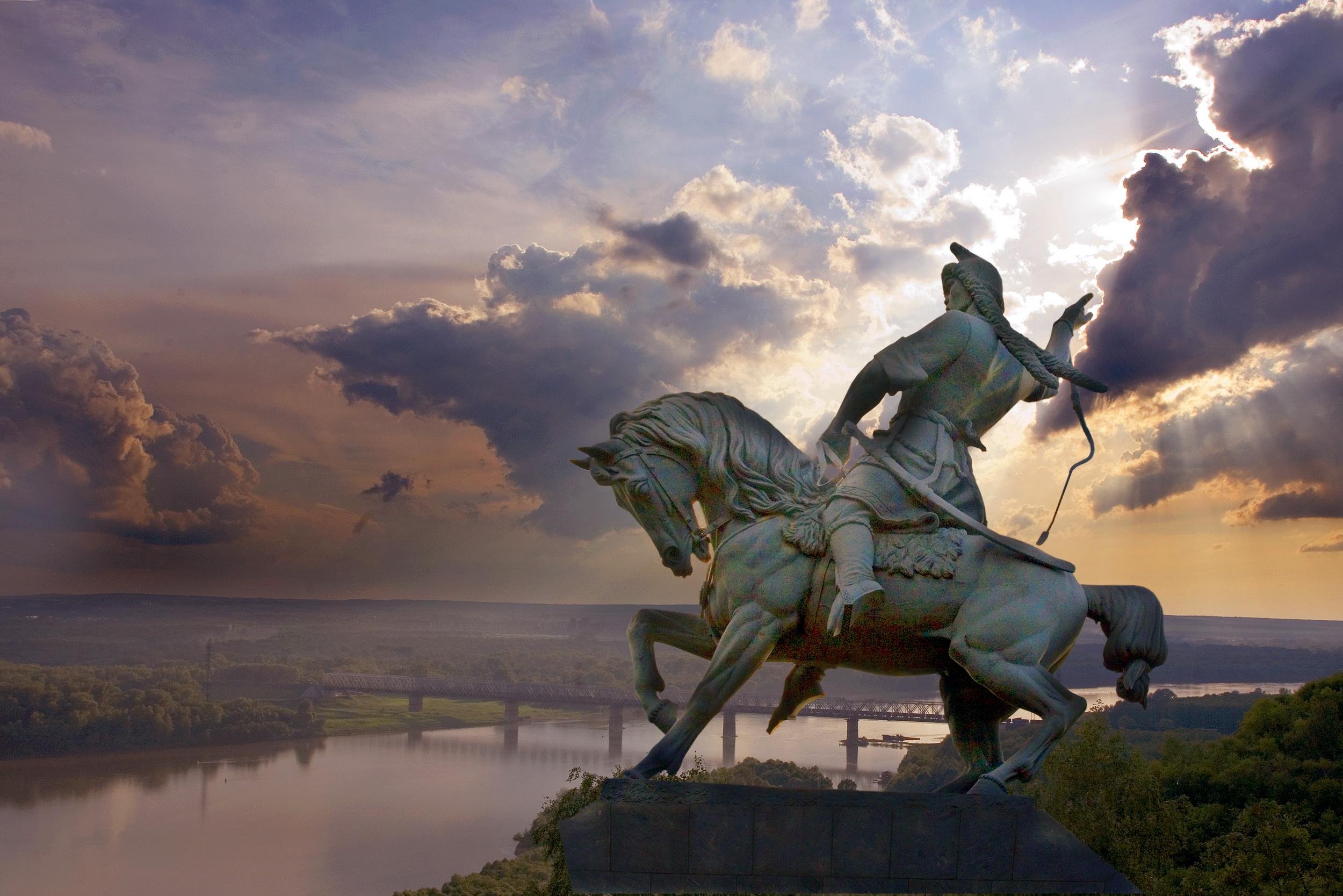 Фото памятника Салавату Юлаеву