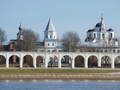 Обзорная экскурсия с посещением Ярославова дворища
