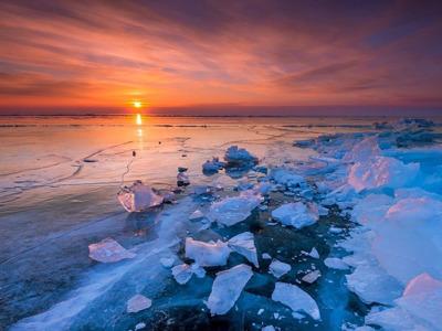 Ледовые богатства Байкала