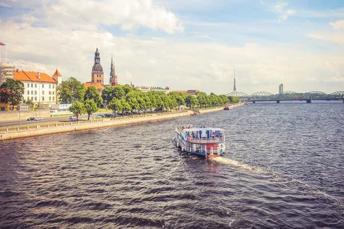 Обзорная - Вокруг Старого города на кораблике по каналу и реке