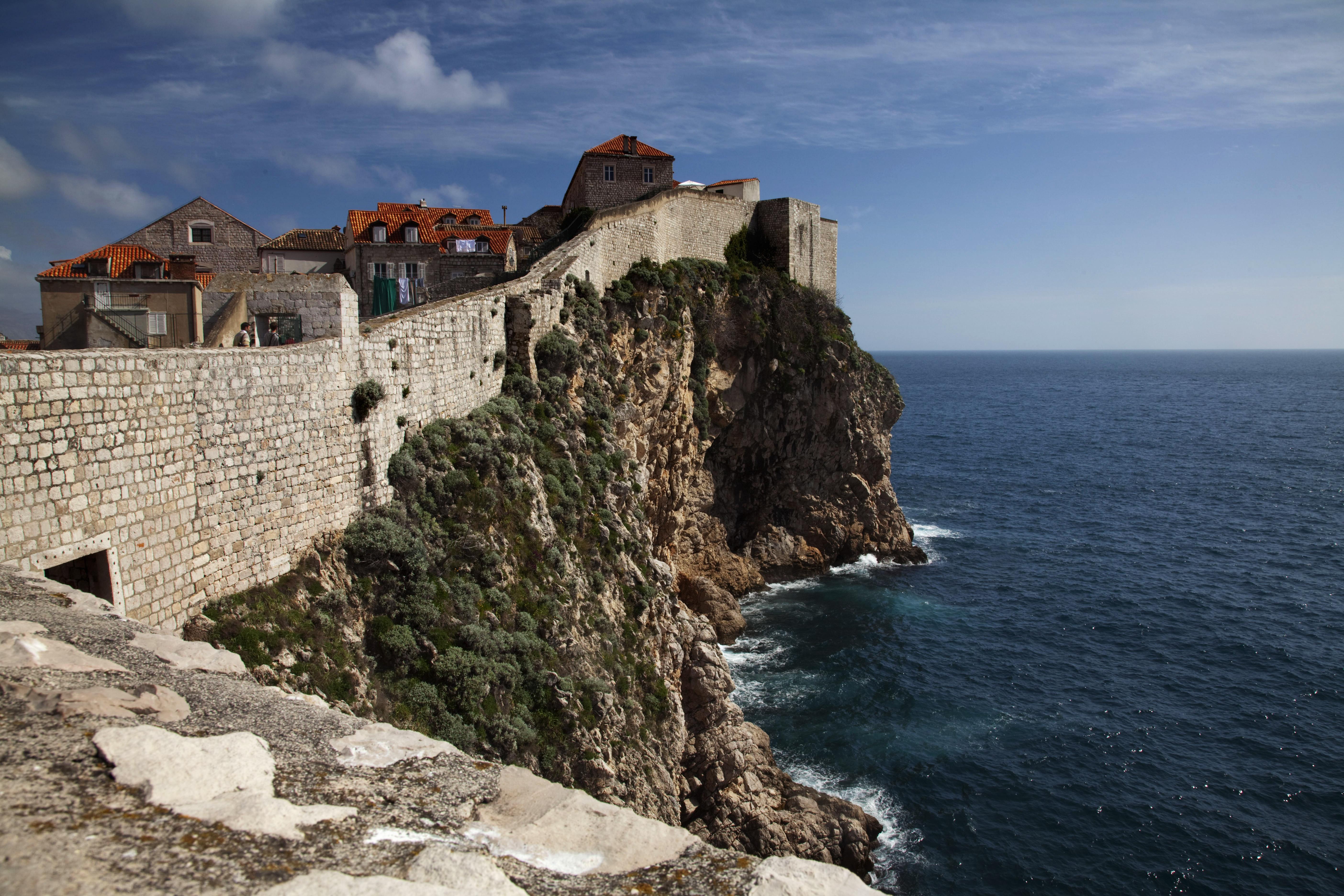 Бесплатная онлайн-экскурсия «Дубровник. Городские стены — от моря к небу»