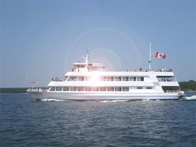 Экскурсия по вечернему Торонто с круизом по озеру Онтарио, ужином и танцами на корабле