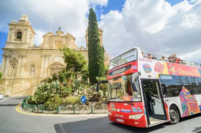 Мальта: автобусный тур hop-on hop-off на день
