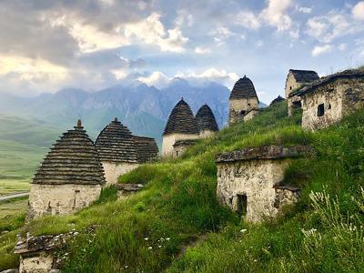 Три ущелья Северной Осетии и «Город мёртвых»