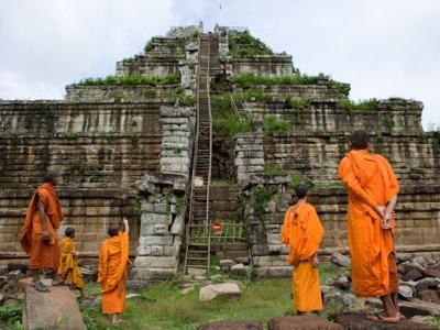 Экскурсия к дальним храмам Ангкорской империи в сопровождении русского гида