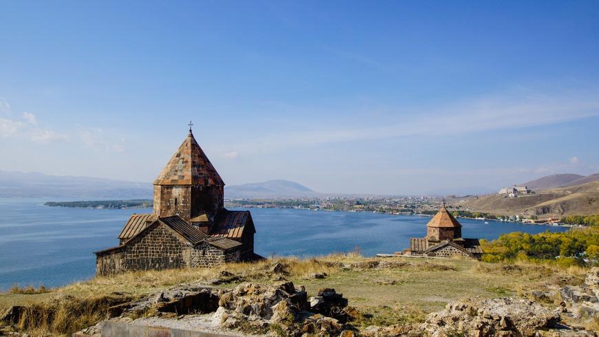 Армянские святыни и холодное озеро Севан