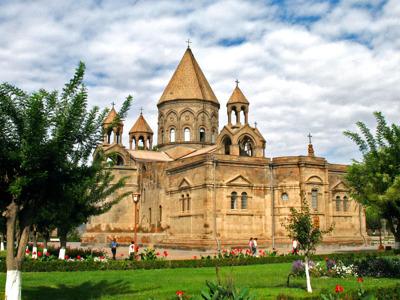 Путешествие по духовной столице: соборы и сокровища Эчмиадзина