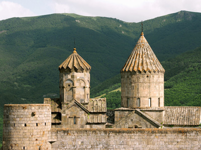 Путешествие в пещерный город и монастырь Татев