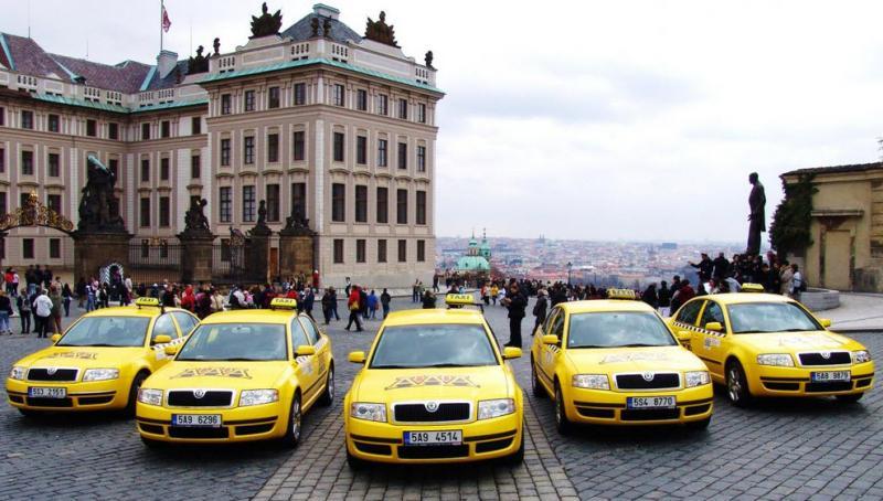 как добраться из праги в чешский крумлов на такси