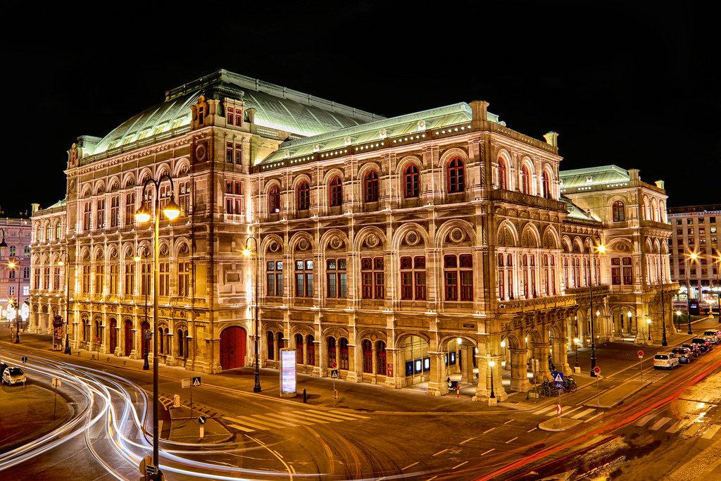 экскурсия из праги в вену: венская опера
