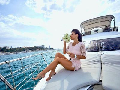 Прогулки на яхте в Адлере