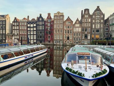 Онлайн-экскурсия «Многоликий Амстердам. От Цветочного рынка до Рембрандта»