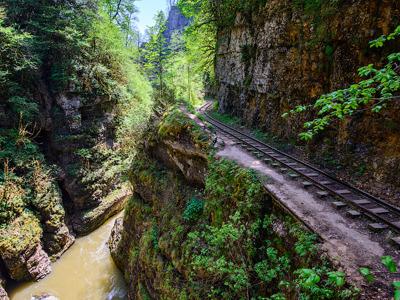 Гуамское ущелье и термальные источники