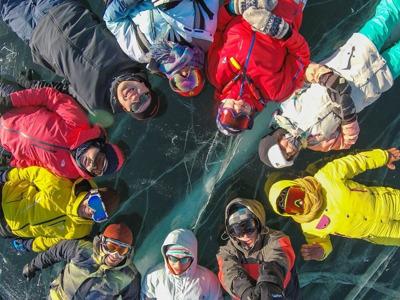 По зимнему льду Байкала
