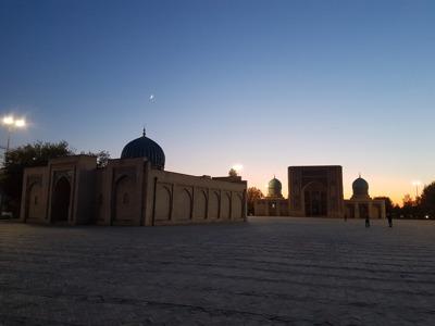 Большая экскурсия по Ташкенту. Самые интересные места, истории и факты.