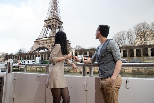 Париж: круиз на закате с бокалом шампанского