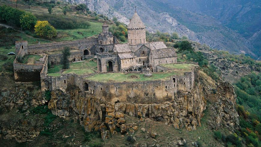 Вино, монастыри и самая длинная канатная дорога в мире