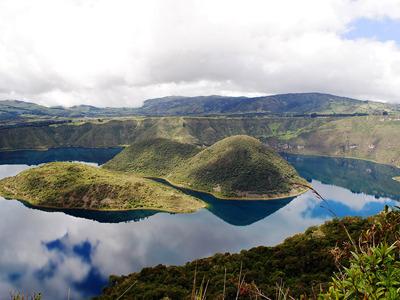 Эквадор: Индейский город Отавало и его окрестности