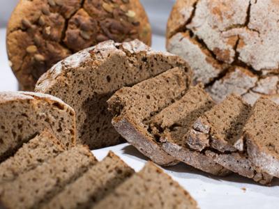 Мастер-класс по выпечке ржаного хлеба на закваске в русской печи