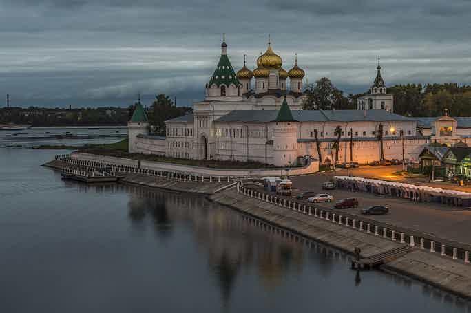 Обзорная экскурсия по Костроме с посещением Ипатьевского монастыря
