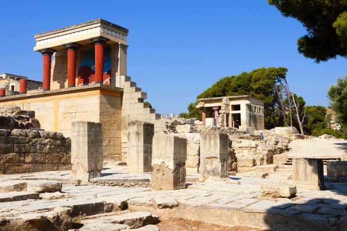 Кносский дворец, Археологический музей и Ираклион из области Ираклион