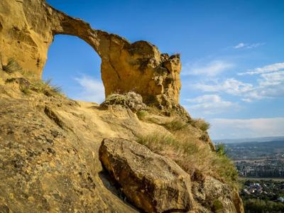 Медовые водопады и гора Кольцо