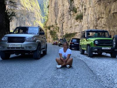 На джипах по Абхазии: Гегский водопад и завтрак королей из Нового Афона