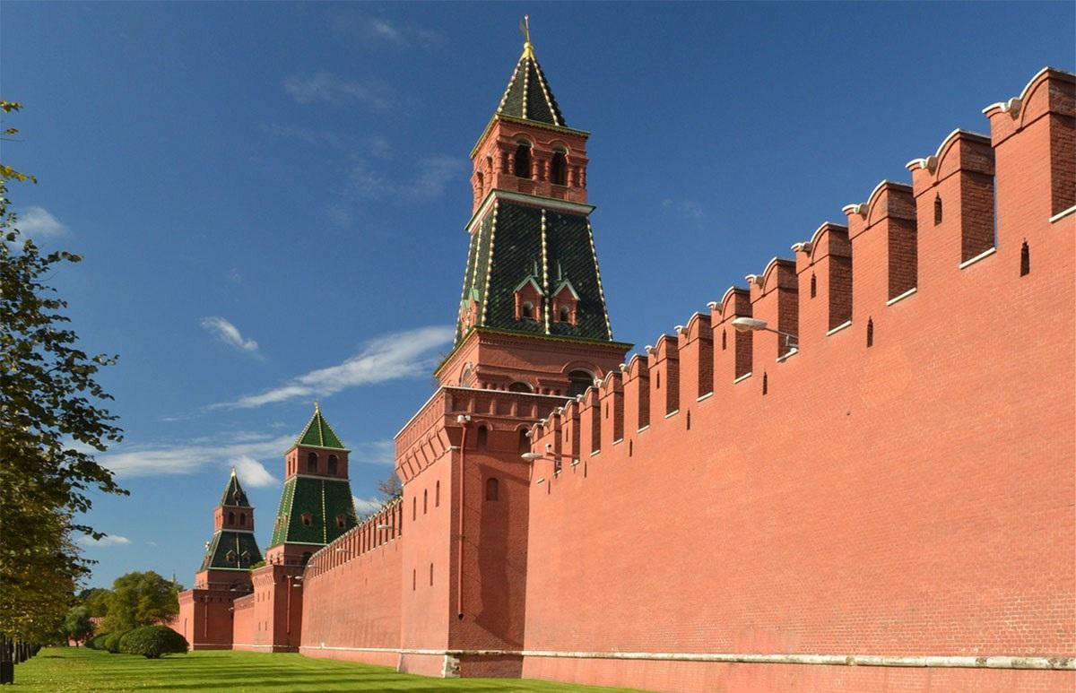 Фотография стен Московского Кремля
