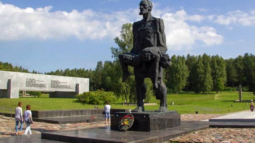 Хатынь — памятник жертвам фашизма