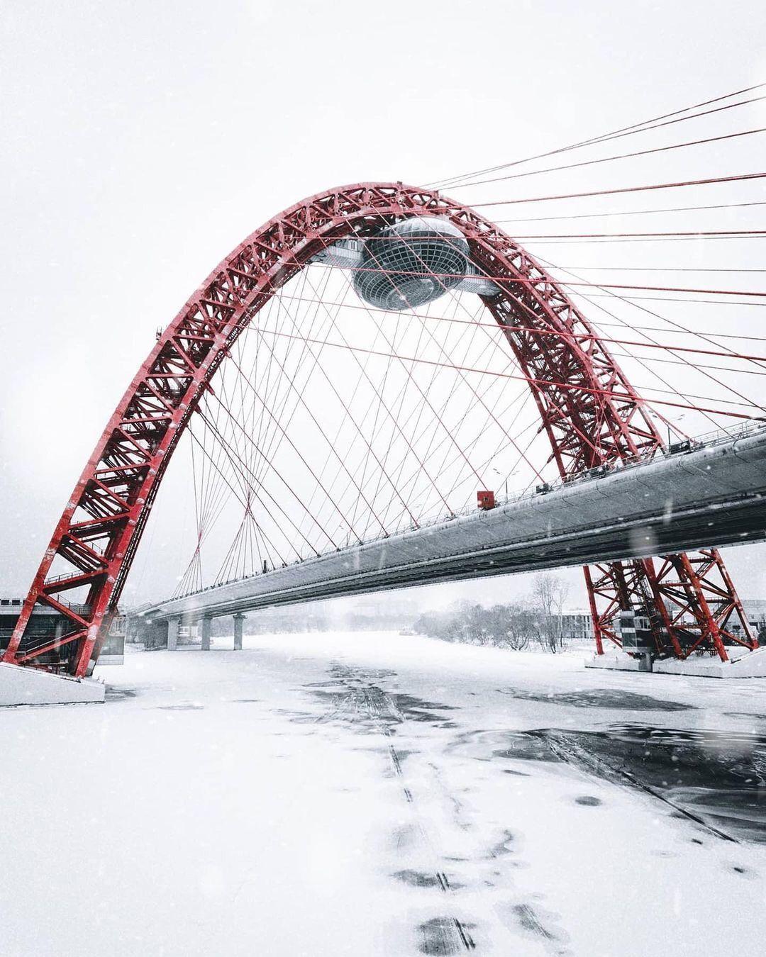 Фото Живописного моста зимой.