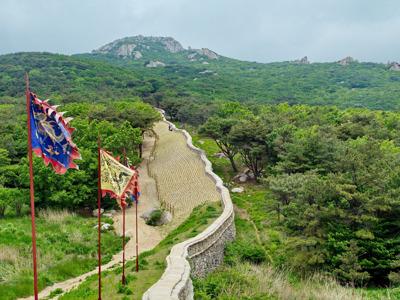 Крепость Кымчжон Сансон и монастырь Помоса
