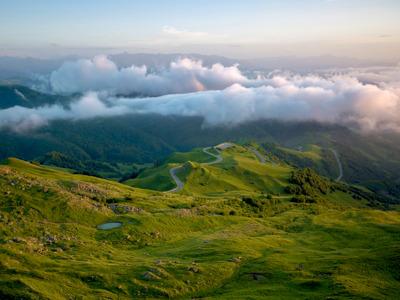 Домбай — в край ледников, горных вершин и живописных озер