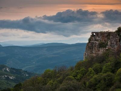 Пещерный город Мангуп: легенды и тайны княжества Феодоро