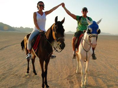 Верховая езда в пустыне в Шарм-эль-Шейхе: однодневный тур