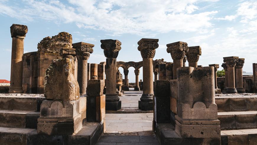 История Армении: Звартноц, Эчмиадзин и мемориал Сардарапат