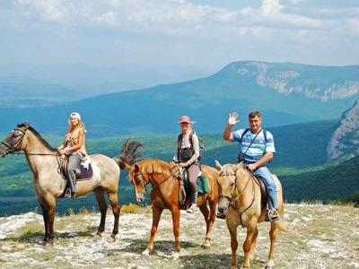 Катание на лошадях, Чайный домик и гора Кольцо