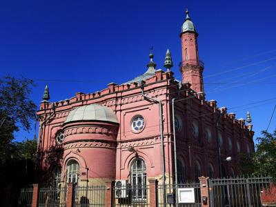 Астрахань — город разных религий. Соборы и храмы