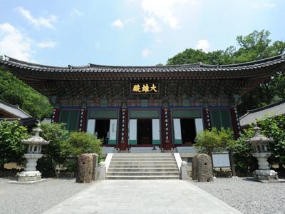 Буддийский монастырь Ссангеса и провинциальный парк Майсан