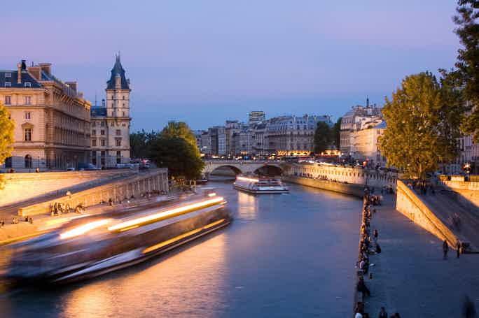 Часовой круиз «Огни Парижа»