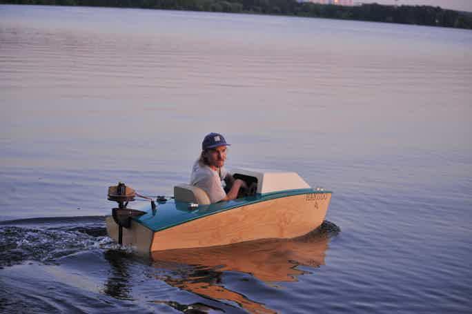 Мини-катера: приключение с пикником в Серебряном бору